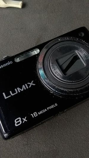 LUMIX 16MP X8 DIGITAL CAMERA for Sale in Milwaukie, OR