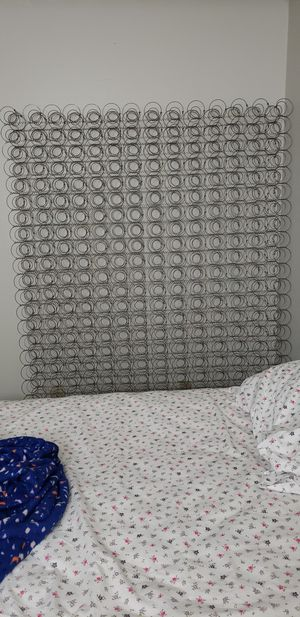Queen bed frame springs for free for Sale in Bellevue, WA