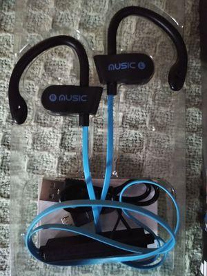 In ear Bluetooth headphones for Sale in Powder Springs, GA