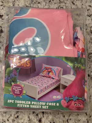 Trolls toddler bed pillow and fitted sheet set for Sale in Fontana, CA