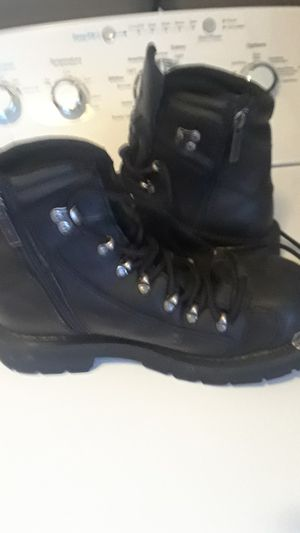 Harley Davidson boots women's size 7 and 1/2 for Sale in Riverview, MI
