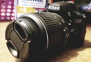 Nikon D3200 DSLR w/ 18-55mm VRII Lens for Sale in LAKE TAPWINGO, MO
