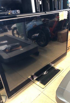 Sharp Aquos 60 inch LED TV for Sale in Hollywood, FL