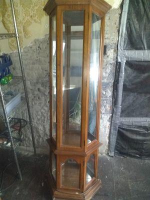 Display case/China cabinet for Sale in North Tonawanda, NY