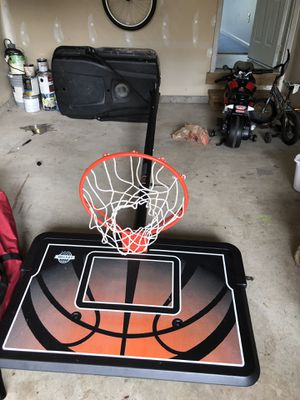 12 feet Spaulding basketball hoop for Sale in Saint Charles, MD