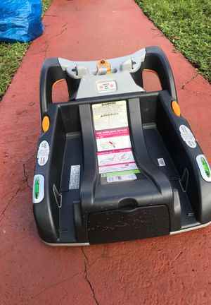 Chicco infant car seat base for Sale in Hialeah, FL