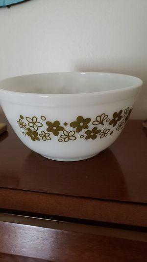 Vintage pyrex bowl for Sale in Kenosha, WI