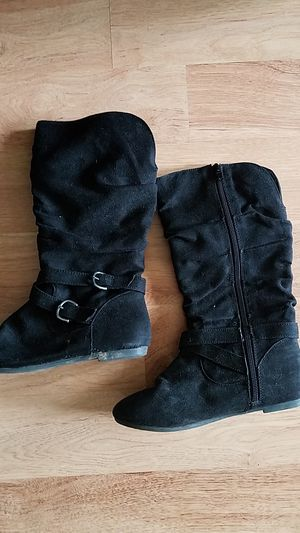 Girls boots size 3 for Sale in Lancaster, NY