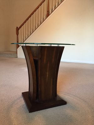 Glass top end table for Sale in Ashburn, VA