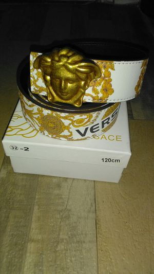2020 Versace belt for Sale in Greenbelt, MD