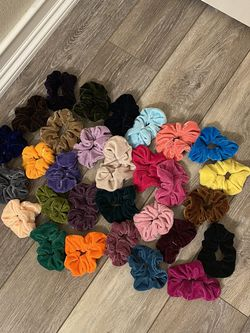 32 Piece Scrunches Hair Accessory Lot for Sale in Battle Ground,  WA