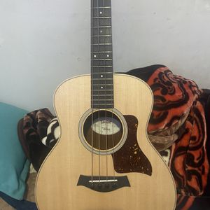 Taylor GS Mini-e Acoustic-Electric Bass Guitar Natural for Sale in Huntington Park, CA