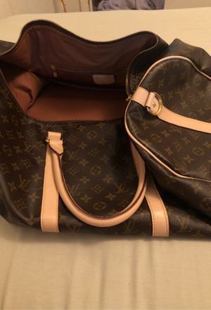 Louis Vuitton Duffle bag for Sale in Fresno, CA