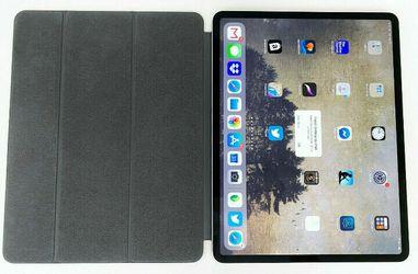 Apple iPad Pro 3rd Gen. 256GB, Wi-Fi, 12.9 in, Silver + Smart Folio MTFN2LL/A for Sale in North Bend,  WA