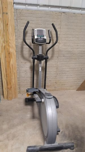 Golds gym exercise machine for Sale in Somerset, OH