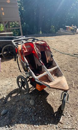 Double bob stroller for Sale in Mount MADONNA,  CA