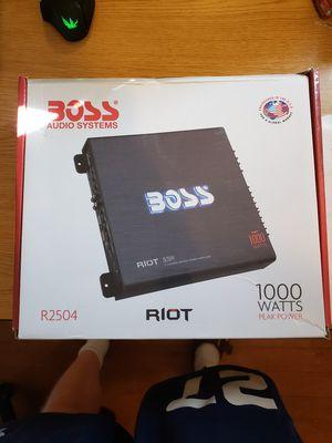 Boss R2504 1000Watt 4 Channel Mosfet Amp for Sale in Klamath Falls, OR