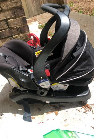 Car Seat and Base for Sale in Midlothian, VA