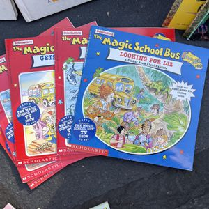 Magic School Bus Lot Of Books for Sale in Santee, CA