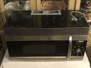 GE over range microwave excellent condition works perfect for Sale in Henderson, NV