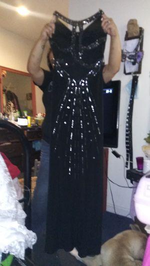 Black dress size 5/6 Hailey Logan. Green dress size 1 Jodi Kristopher for Sale in Cowpens, SC