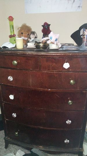 Dresser with fun knobs for Sale in Silver Spring, MD
