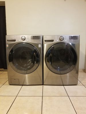 BEAUTIFUL FRONT LOAD STAINLESS STEEL STEAM LG WASHER AND STEAM GAS DRYER for Sale in Phoenix, AZ