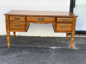 5 Drawer Desk for Sale in Montgomery Village, MD