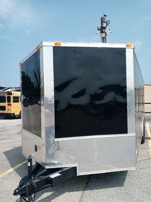 2021 enclosed car hauler Black 20 ft plus v nose 2ft hablo español for Sale in Lewisville, TX