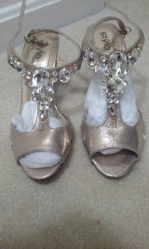 Gold sandals 6 size for Sale in Sterling, VA