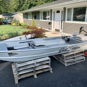 UPDATED: Like New Jon Boat 12' With Gas Motor And Trolling Motor Plus Tons Of Extras for Sale in South Brunswick Township, NJ
