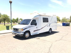 2004 trail lite class b plus with slide out by r vision for Sale in Glendale, AZ