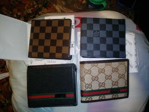 Gucci and Louis Vuitton wallets for Sale in Garfield Heights, OH