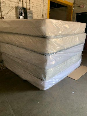 Mattress and box spring delivery available available for Sale in Aurora, IL