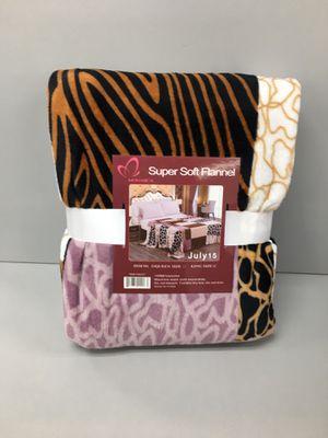 Animal print king size blanket brand new for Sale in Salem, OR