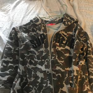Supreme Hoodies Got It For 630 for Sale in Henderson, NV