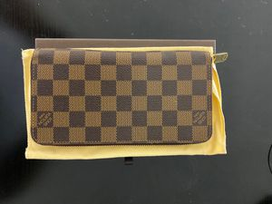 Louis Vuitton Zippy Wallet for Sale in San Francisco, CA