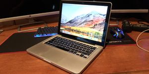 MacBook Pro 13 Early 2011 i7 8gb 750gb for Sale in Denver, CO