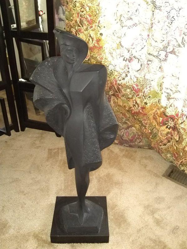 "Heavy statue 32"""