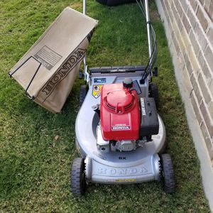 Honda Lawnmower for Sale in Fort Worth, TX