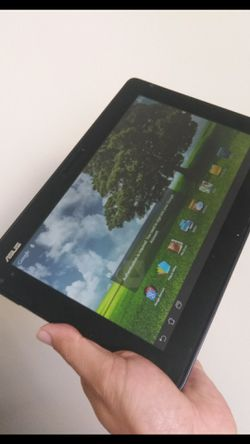 "Asus tablet 10"" 32gbunlocked. like new. With charger working great!! for Sale in Los Angeles,  CA"
