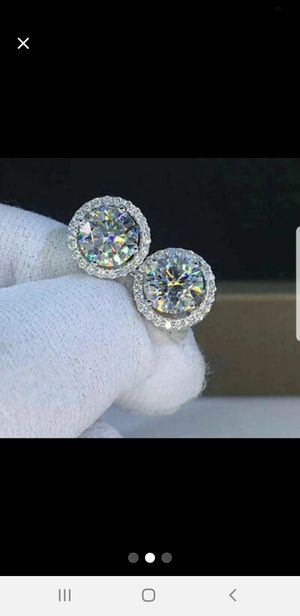 S925 Crystal Diamond Halo Earrings for Sale in North Miami Beach, FL