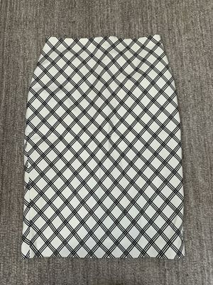 Express Pencil Skirt Diamond Pattern for Sale in Chicago, IL