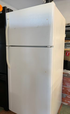Kenmore apartment size Fridge for Sale in Costa Mesa, CA
