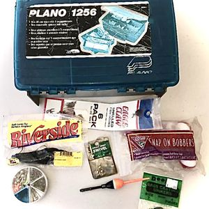 Fishing Tackle Box 3 Vintage Reels and Some Tackle Bobbers Hooks Sinkers for Sale in West Palm Beach, FL