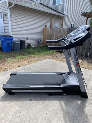 Pro form 700LT treadmill for Sale in Vancouver, WA
