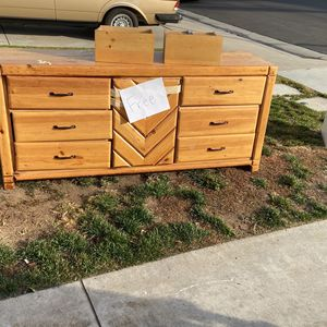 Free Dresser for Sale in Chino, CA