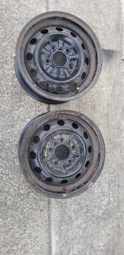 """2 Rims wheels 14"""" black wall off Toyota Tacoma for Sale in Portland,  OR"""