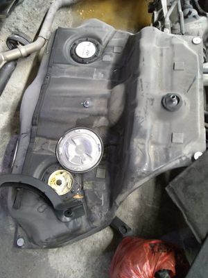 Mercedes Benz S550 2010 gas tank and many more parts for Sale in Brooklyn, NY
