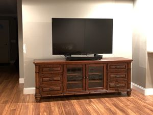 """All Wood Console and 55""""Roku TV for Sale in Riverview, FL"""